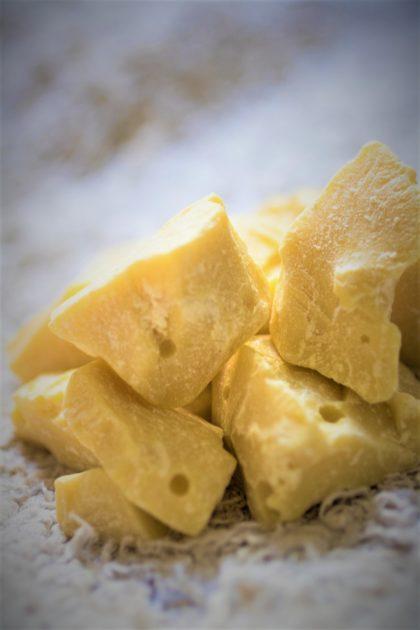 masło kakaowe to ciekawa alternatywa dla kremów i balsamów kupowanych w drogeriach